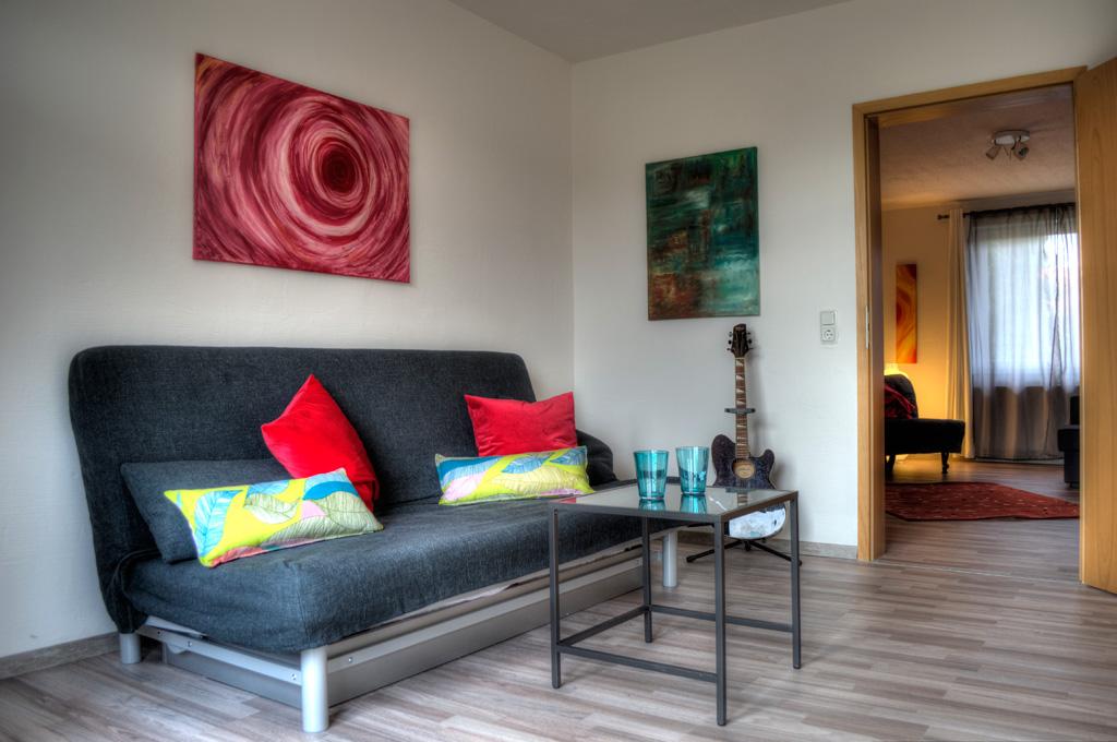 wohnung 1 joanna scott douglas. Black Bedroom Furniture Sets. Home Design Ideas